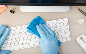 Cleaning a keyboard